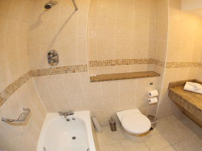 500-19-bathroom-2